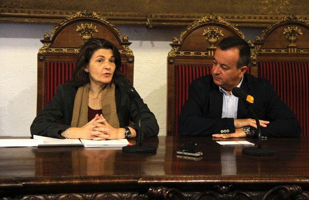 Teresa Ortega (UGR) e Higinio Almagro, de la Junta.