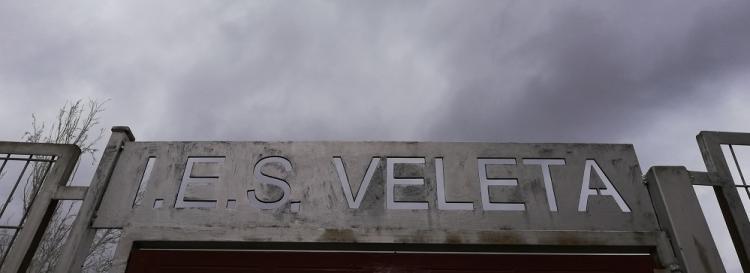 Nubarrones sobre el IES Veleta.
