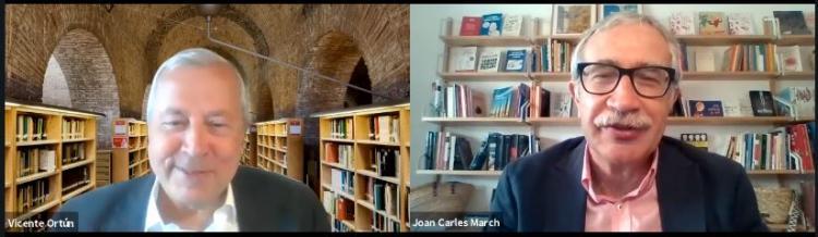 Vicente Ortún y Joan Carles March, durante la conversación.