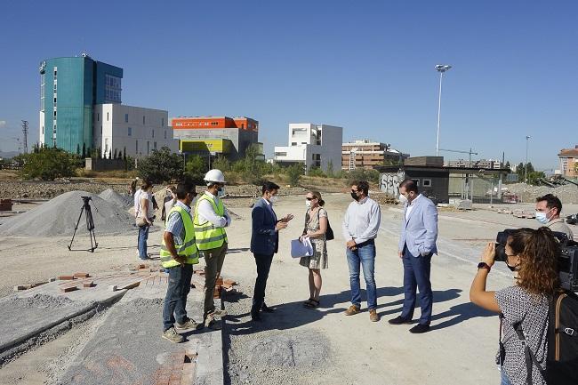 Visita a los trabajos del nuevo parque junto a Los Cármenes.