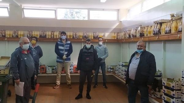 El colectivo vecinal se ha visto obligado a suspender el reparto de alimento.