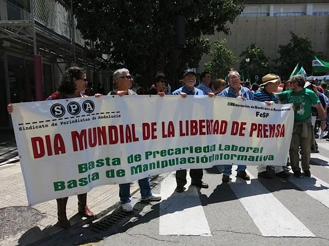Vigueras, con otros integrantes del sindicato, el 1 de mayo.
