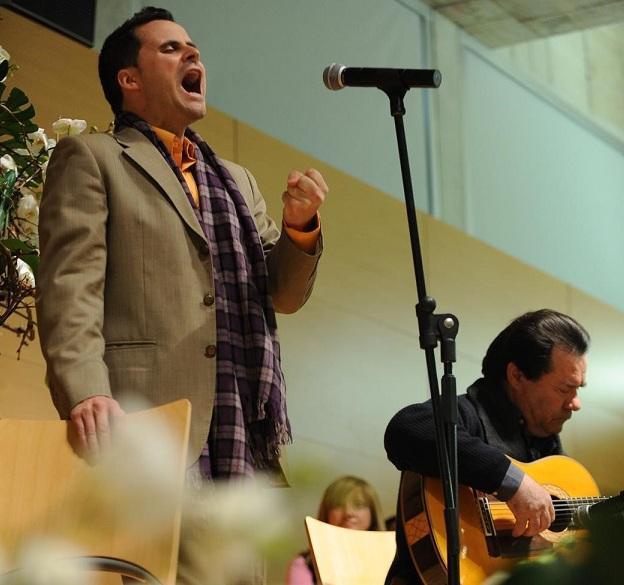 Juan Pinilla, durante una actuación.