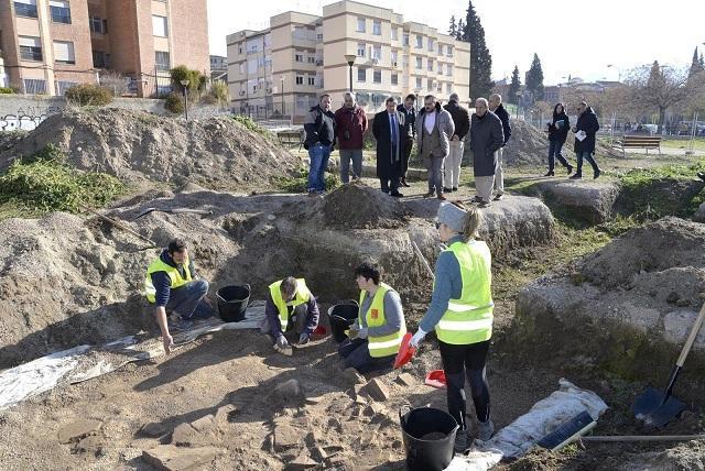 Trabajos arqueológicos en la villa romana, este martes.