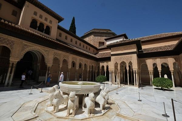 Patio de los Leones.