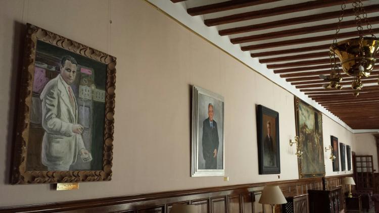 La imagen de Fernández-Montesinos abre ahora la galería de alcaldes democráticos.