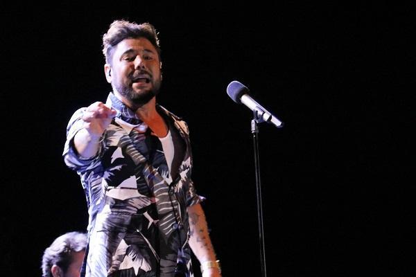 Miguel Poveda durante el concierto.