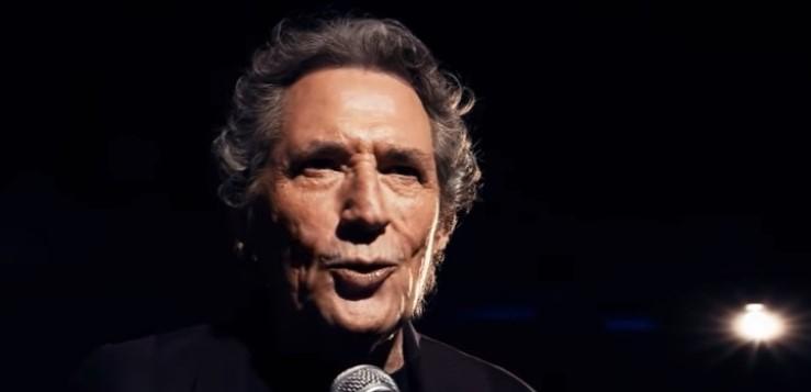 Miguel Ríos, en una imagen del videoclip de 'El blues de la tercera edad'.