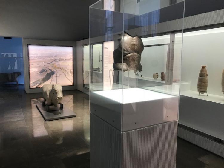 Imagen de una sala del Museo Arqueológico con la selección de la colección ya instalada.
