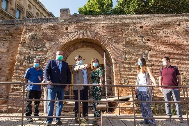 Visita a las obras que se realizan en el muro.