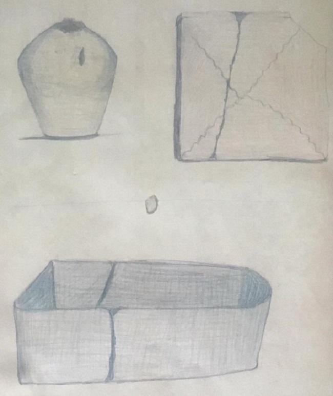 Dibujo de urgencia que representa el sarcófago de plomo hallado en el edificio de Gran Vía, 12, con su vasija funeraria y una tégula. Cuando lo hicieron, los albañiles ya habían vaciado su interior.