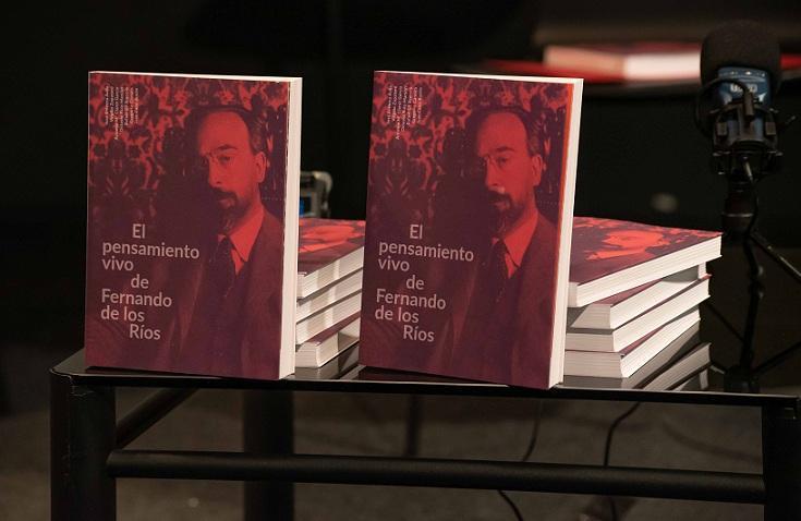 Ejemplares del libro, presentado este lunes.