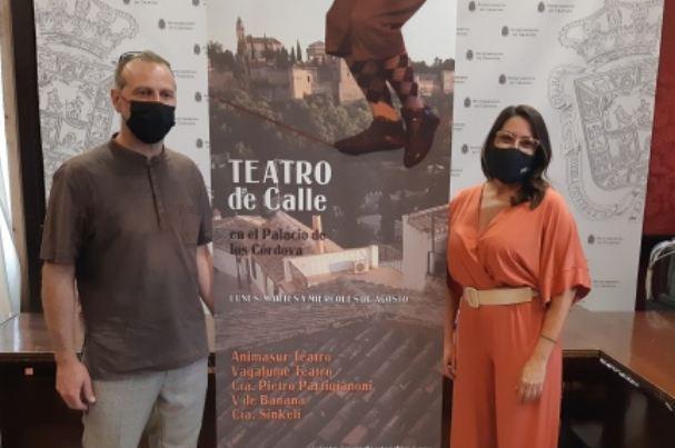 Presentación del teatro de calle, que se traslada al Palacio de los Córdova.