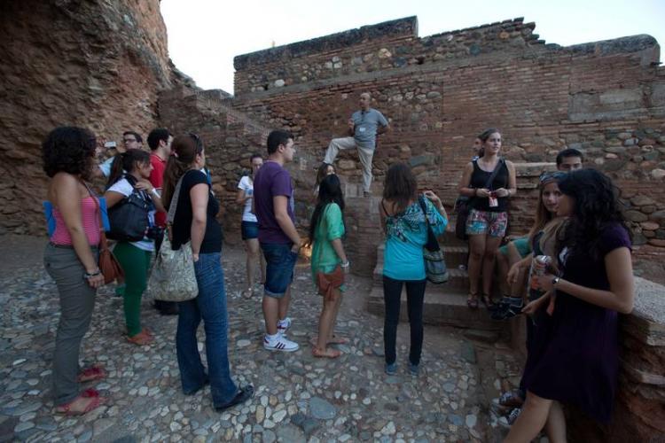 Participantes en una de las visitas guiadas gratuitas.