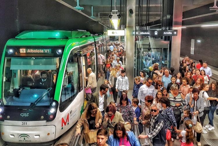 El Metro ha transportado a más de 300.000 usuarios durante el Corpus.
