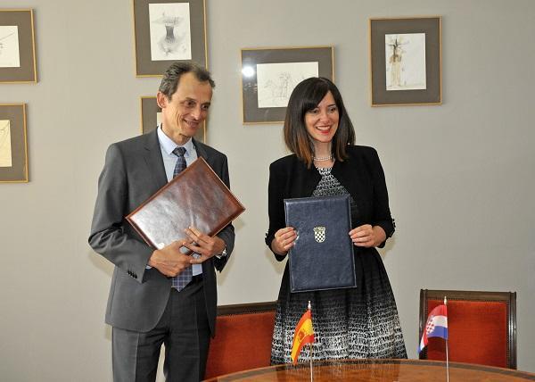 El ministro Pedro Duque y la ministra croata de Ciencia y Educación.