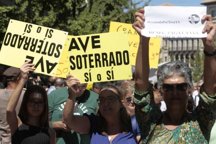 Última manifestación contra el aislamiento ferroviario de Granada.