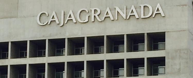 Fachada de la sede central de BMN-CajaGranada.