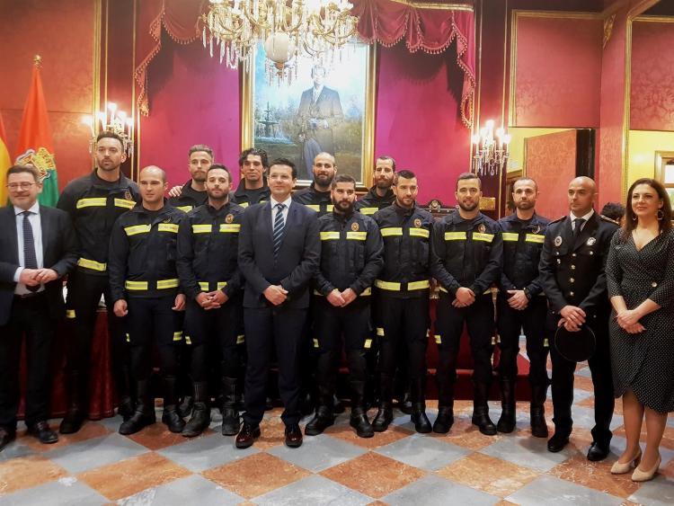 Toma de posesión de los nuevos bomberos.