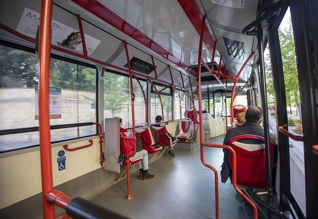Interior de un autobús de Rober durante la pandemia.