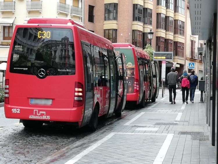 Imagen de archivo de autobuses de Alhambra Bus.