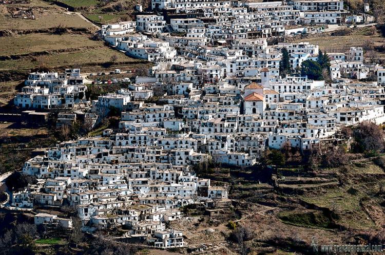 Pueblos de España que merecen ser visitados - Página 4 Capileira_granadanatural