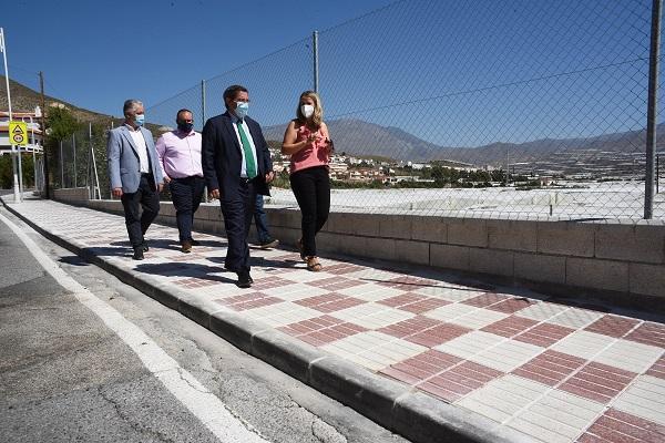El presidente de la Diputación con la alcaldesa de Castell.