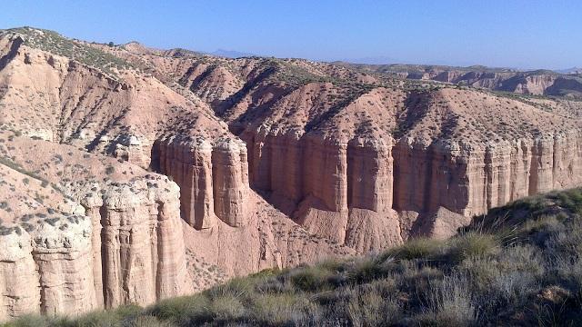 Paisaje característico del desierto de los Coloraos de Gorafe.