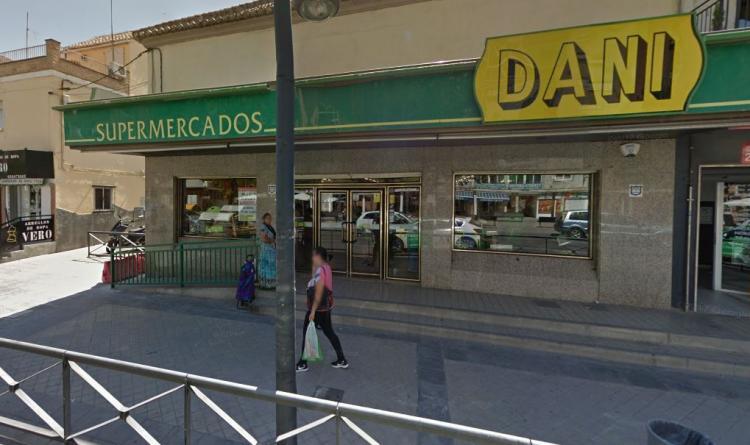 Supermercado Dani en la Avenida de Dílar.