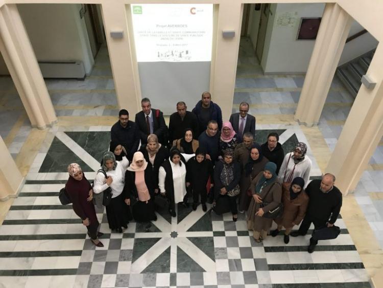 Foto de familia del grupo de profesionales que participan en el intercambio.