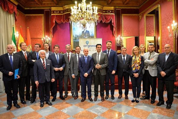 Acto de entrega de 'las credenciales' a los embajadores de OnGranada.