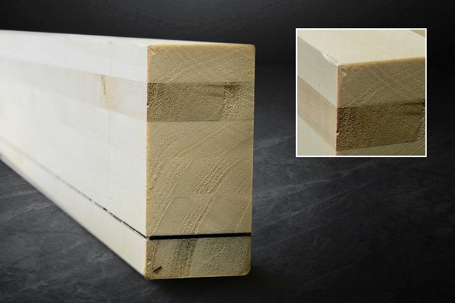 Prototipo de viga con láminas encoladas de chopo y fibra de carbono.