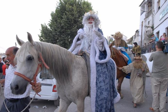 Reyes Magos durante una Nochevieja de agosto en Bérchules.