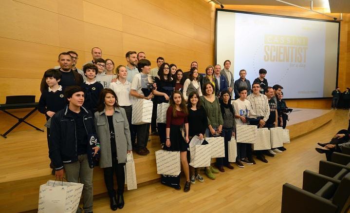 Escolares ganadores de los premios 'Científico Cassini por un día'.