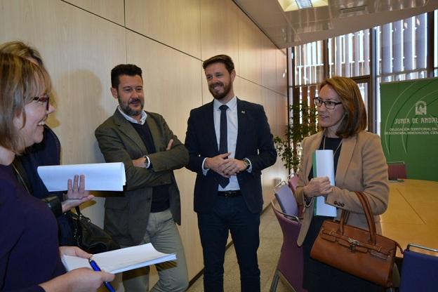 El delegado de Economía y miembros de la Agencia Innovación y Desarrollo.