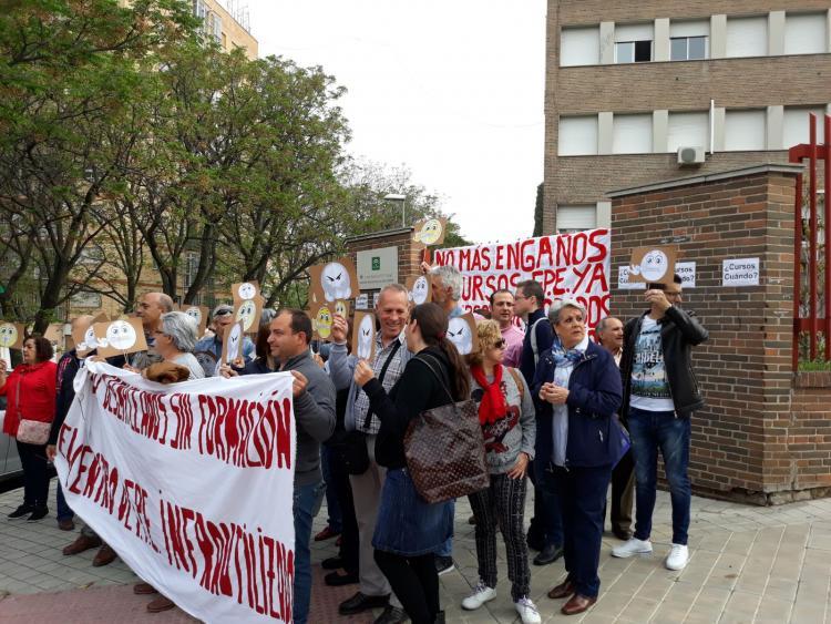Representantes de IU han participado en la concentración.