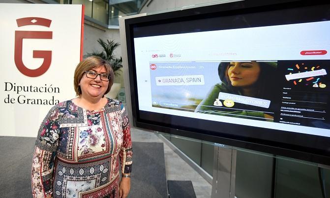 Ana Muñoz presenta el plan 'Granada Empleo Joven'.