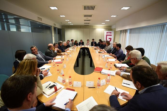 Reunión constituyente de la Mesa Provincial por la Industrialización.
