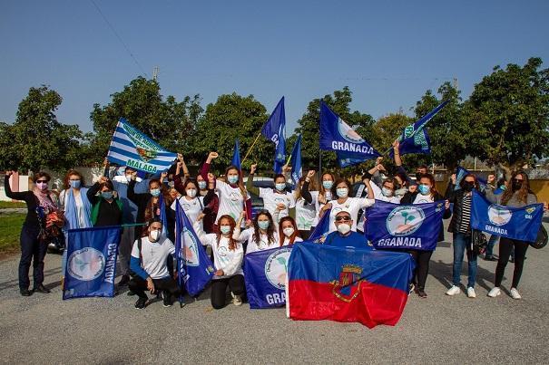 Participantes en la caravana, este miércoles al inicio de la protesta en Motril.