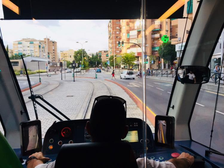 CCOO denuncia que se ha eliminado la zona segura establecida junto a los puestos de conducción.