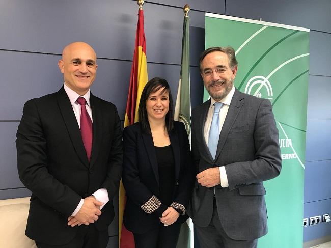 Vanessa Polo con Felipe López y José Antonio Martín.