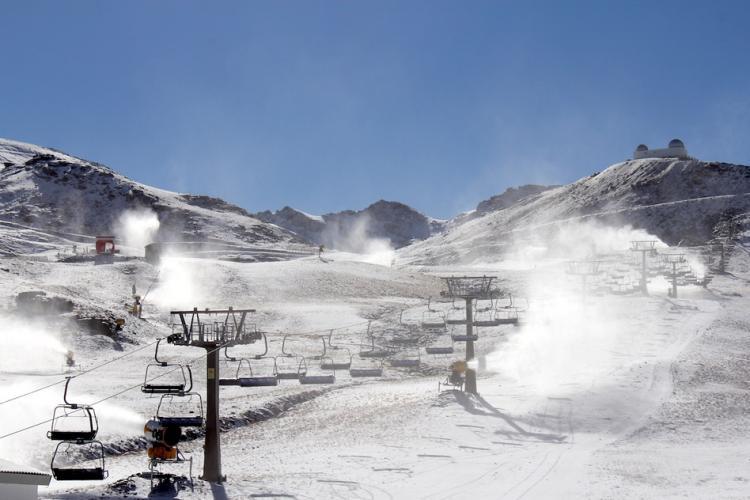 Los sistemas de nieve producida han arrancado este domingo.
