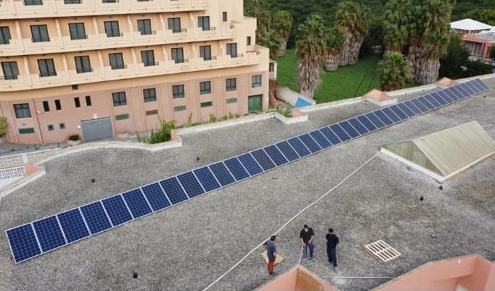 Placas solares en el colegio La Noria.