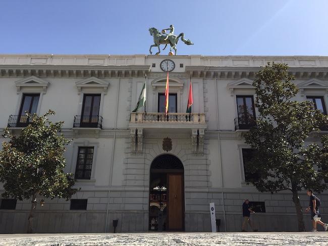 El Ayuntamiento de Granada debe más de 80 millones a sus proveedores.