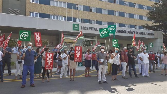 Protesta, este martes, a las puertas del Hospital de Trauma.
