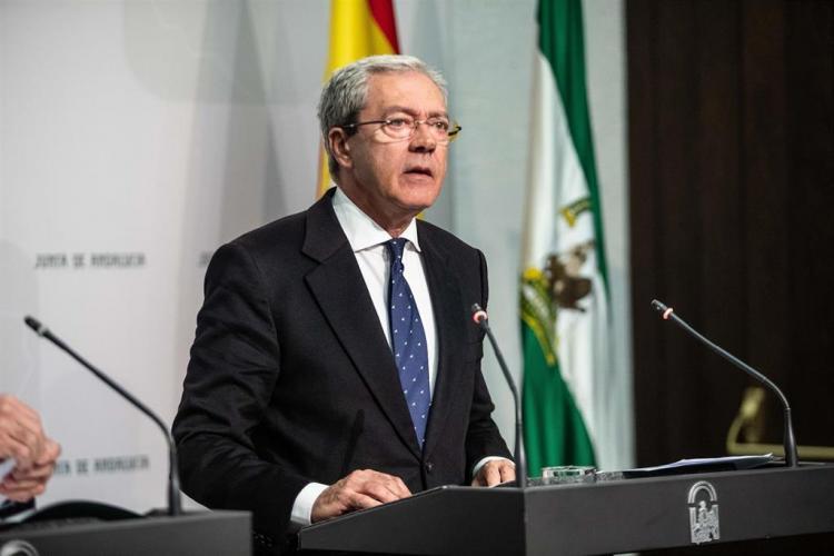 Rogelio Velasco.