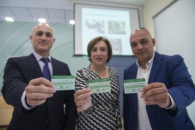 Sandra García flanqueada por Cristian Muñoz y José Antonio Martín.