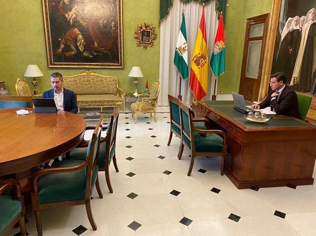 Luis Salvador y Manuel Olivares, durante la reunión.