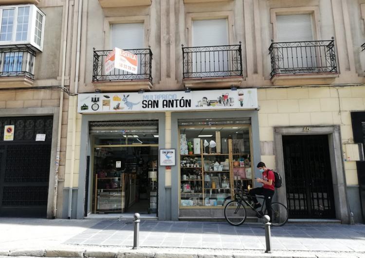 Alquiler en la calle San Antón,de la capital granadina.