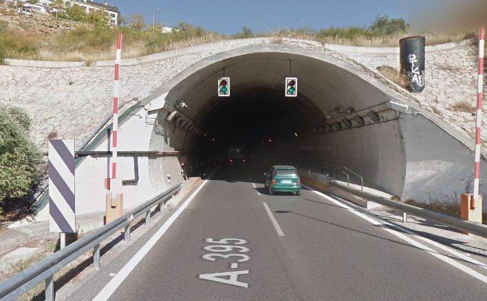 Entrada a los túneles del Serrallo.